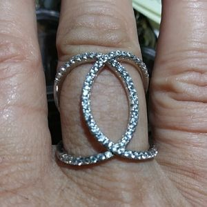 Jewelry - SALE L! Sterling silver CZ stones nice design ring